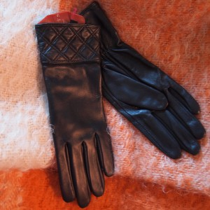 Dents women's leather gloves style 77-0010